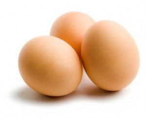 Яйцо куринное Витамин В3: 1490(мг) /100гр